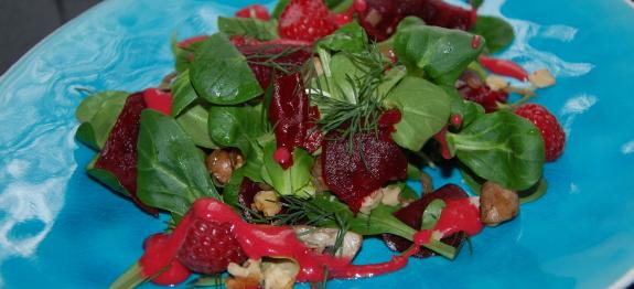 Feldsalat mit Himbeeren und Champignons